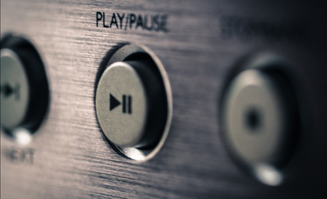 play pause button