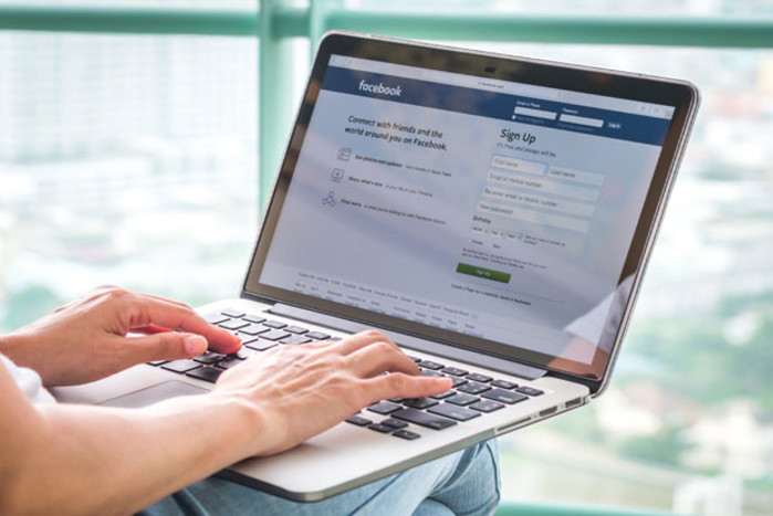 Facebook launches free online training for journalists