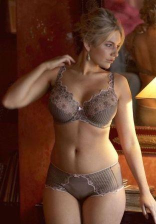 красивые женщины после 40 в домашних условиях в нижнем белье фото