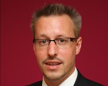 Headshot of Simon Schnieders, SEO manager of Mail Online